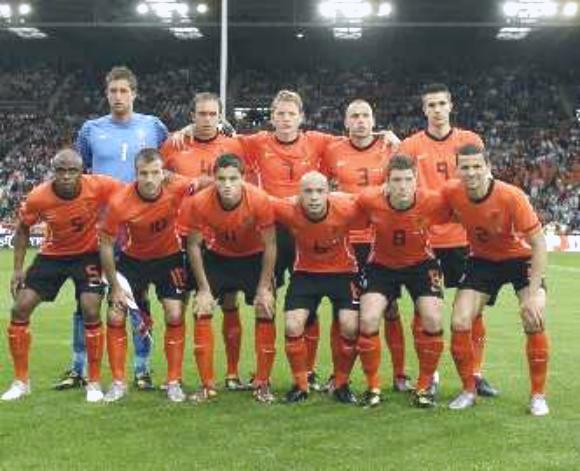 هولندا تهزم الدنمرك بهدفين نظيفين بأولى مباريات مجموعتها