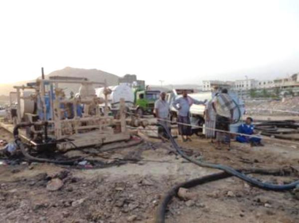 المكلا: مشاركة فاعلة من الشركات النفطية في مكافحة التلوث النفطي