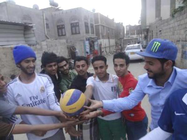 طلاب اليمن يقضون عطلتهم الصيفيّة في الشارع