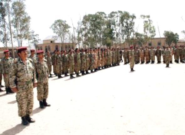 نجاة قائد المنطقة العسكرية الأولى من محاولة اغتيال ومقتل ضابط في مأرب