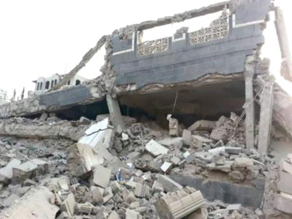 الحوثيون يفجرون منزل عضو بوفد الحكومة لمحادثات جنيف