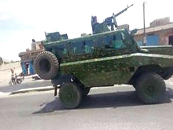 مقتل 9 جنود في انفجار سيارة مفخخة بحضرموت