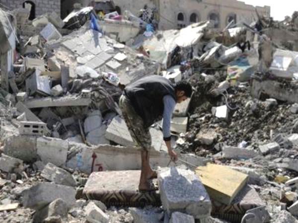 غارات مكثّفة للتحالف في صنعاء وصعدة والحوثيون يعتقلون ناشطين