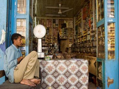 1.8 مليون مشروع يمني معرّض للإغلاق