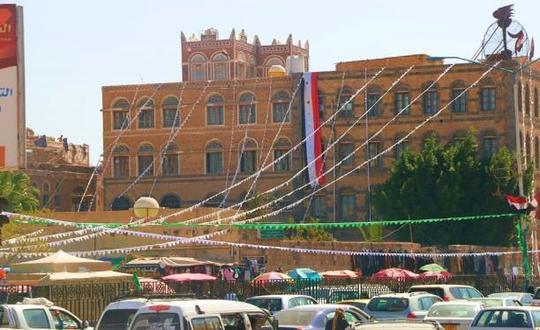 صنعاء خضراء بذكرى المولد النبوي وعطلة رسمية بقرار حوثي