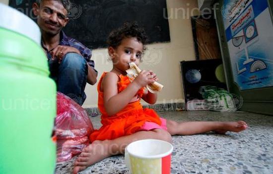 الريال يسحب اليمنيين نحو القعر: فقر وعوز