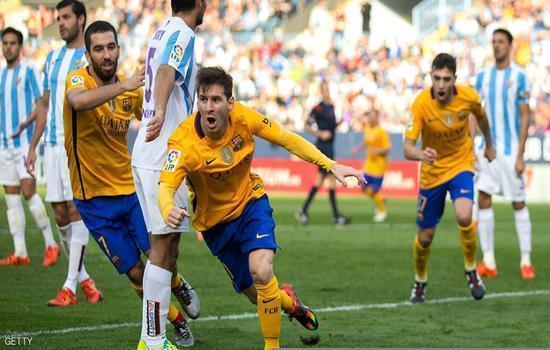 ميسي يقود برشلونة للصدارة بالفوز على ملقة (فيديو)