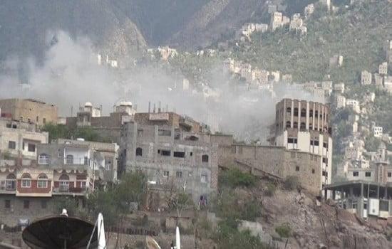 """اصابة 12 مدنياً بينهم 3 أطفال في قصف حوثي على """"تعز"""""""