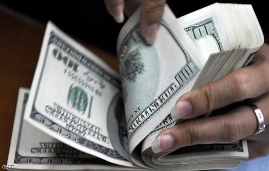 الدولار عند أعلى سعر في شهرين أمام الين
