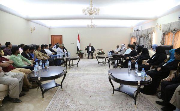 بحاح يؤكد على أهمية دور منظمات المجتمع المدني