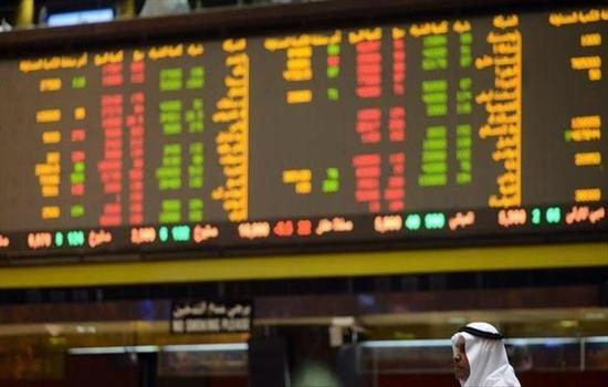 ارتفاع أسعار النفط.. تعرف على آثار تعليق السعودية صادرتها عبر باب المندب