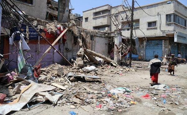 مقتل خمسة مدنيين في قصف حوثي على تعز