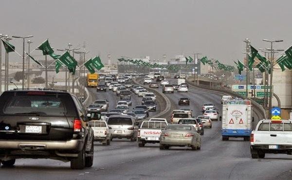 رجال أعمال سعوديون يطالبون بتجزئة رسوم العمالة الأجنية