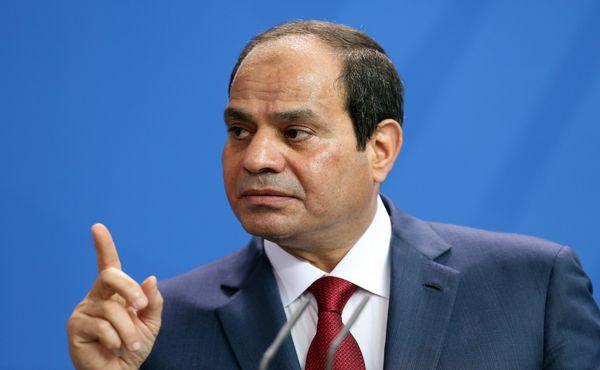 السيسي ينفي اتهامات البشير لمصر بدعم متمردين في السودان