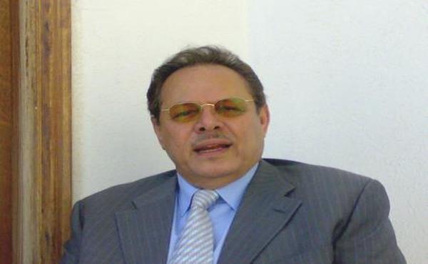 علي ناصر محمد يدعو محادثات اليمن في الكويت لتبني فيدرالية الإقليمين ويحيي 17 ابريل