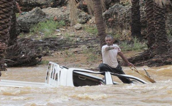مصرع 10 أشخاص جراء السيول في لحج