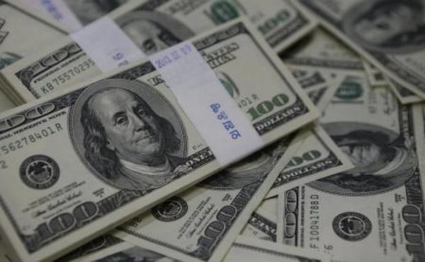 الدولار يرتفع بعد بيانات أمريكية قوية