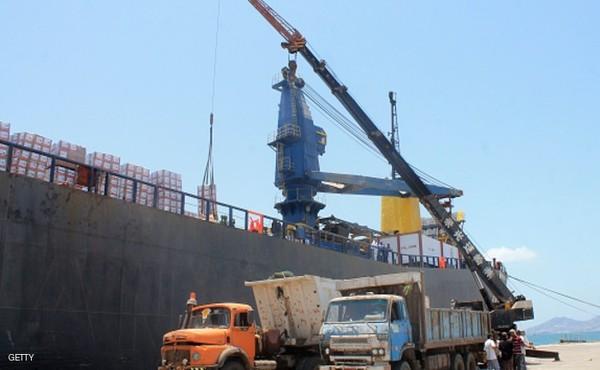 ميناء الحديدة يستقبل سفينة مساعدات تابعة لبرنامج الغذاء العالمي