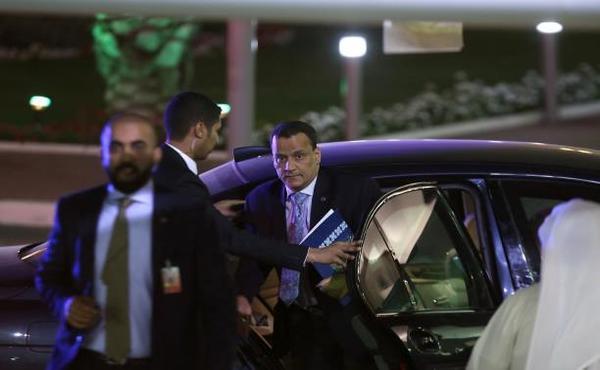 مبادرة ولد الشيخ: الشرعية تتحفظ والحوثيون راضون مبدئيّاً