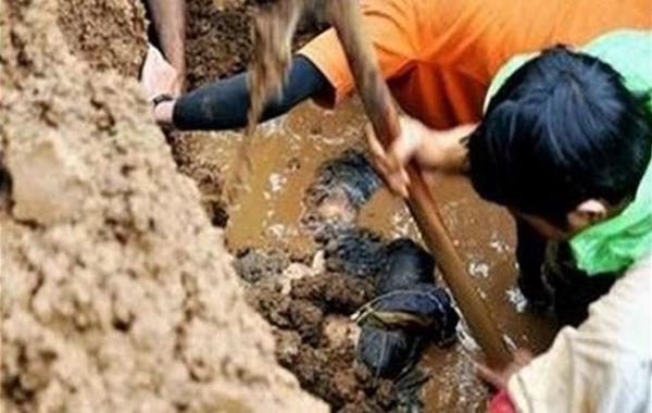 أندونيسيا: مقتل 15 شخصاً بانهيار أرضي في سومطرة