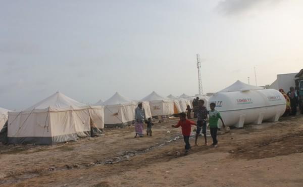 الحنق يبحث أوضاع اللاجئين اليمنيين في الصومال