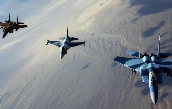 غارات لطيران التحالف في محيط العاصمة صنعاء