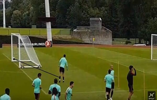 بالفيديو.. كريستيانو رونالدو يستعد للقاء النمسا بهدف مميز من خلف المرمى