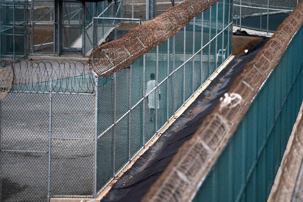 كندا تقدم تعويضاً مالياً لمعتقل سابق في غوانتانامو