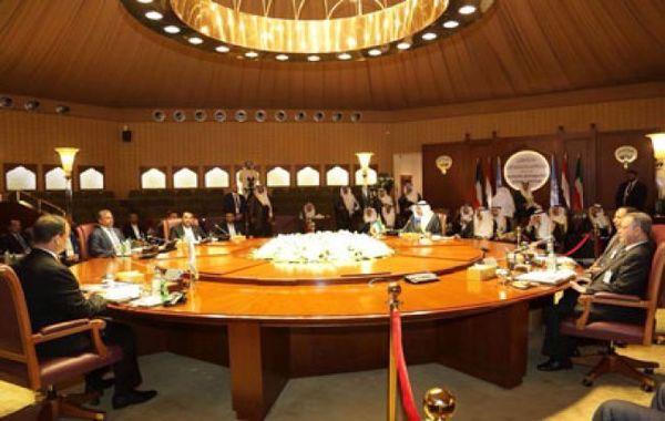 الكويت تحث الأطراف اليمنية على التوصل لاتفاق شامل