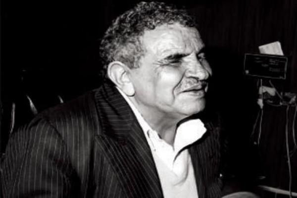 عبد الله البردوني.. قصيدة عمودية تجمع اليمن
