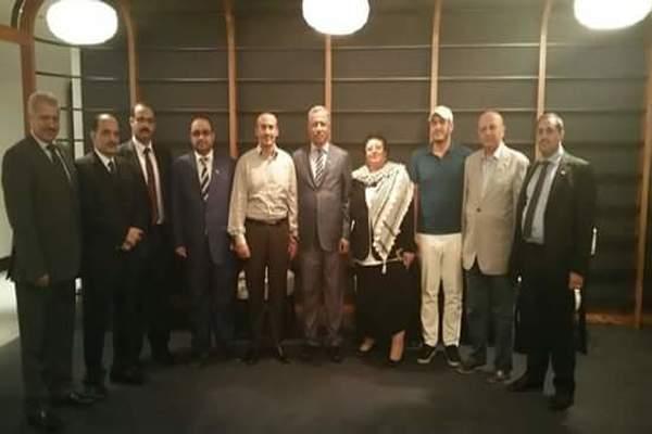 وفد حزب المؤتمر في مشاروات الكويت يزور نجل صالح بالإمارات (صورة)