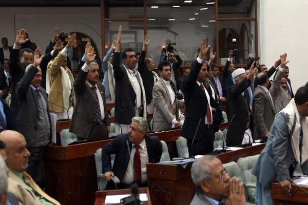 """""""المجلس السياسي"""" يفشل في حشد التأييد الخارجي"""