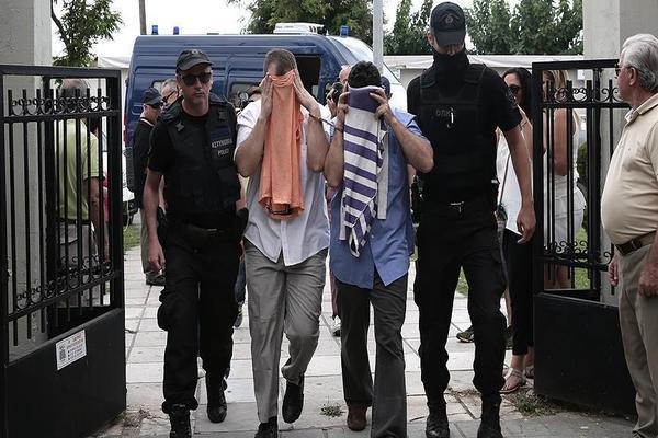 اليونان تعلن سبب رفضها طلبات لجوء لعسكريين أتراك فروا إليها