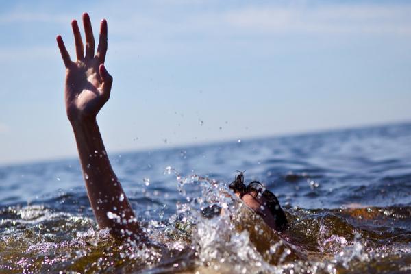 حضرموت: مصرع أربعة أشخاص غرقاً في سواحل المكلا