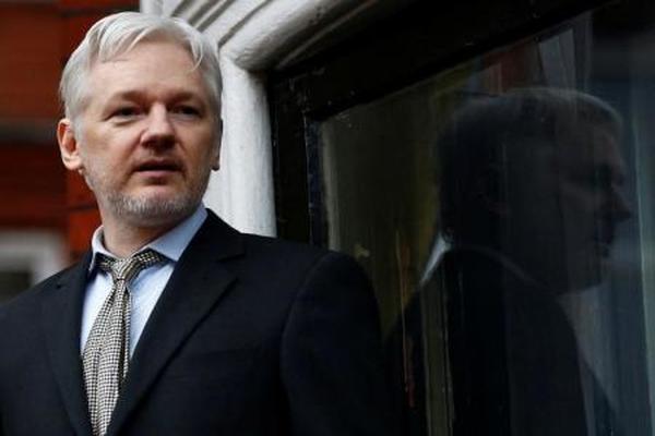 محكمة سويدية تؤيد أمر اعتقال أسانج مؤسس ويكيليكس