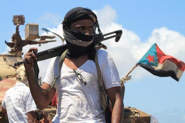 عامان من الانقلاب… تآكل الوحدة اليمنية وصعود التقسيم
