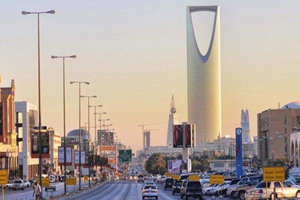 السعودية: التحقيق مع إمام مسجد بمكة ردد تكبيرات بمقتل الرئيس اليمني السابق