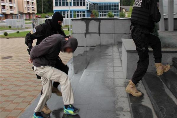 """البوسنة والهرسك: توقيف 10 أشخاص بتهمة ارتكاب """"جرائم حرب"""""""