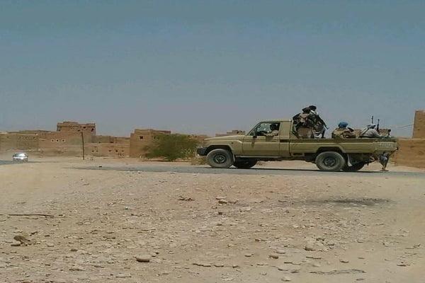 الجيش يستعيد السيطرة على معسكر الخنجر في الجوف بإسناد التحالف