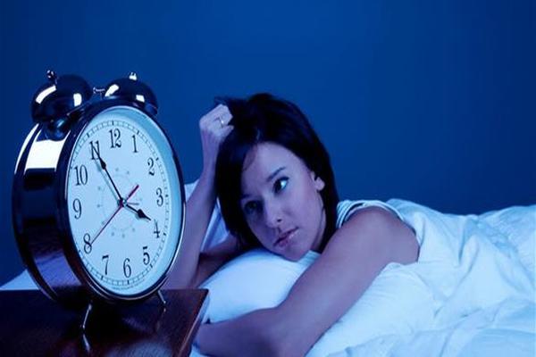 دراسة: علاج فرط نشاط المثانة يحسّن نوم النساء