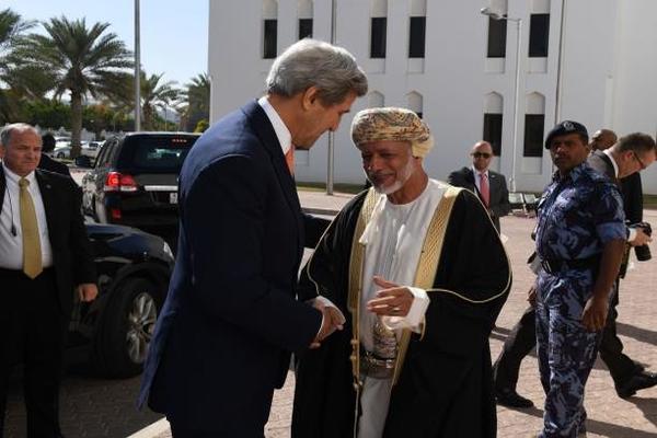 مفاجأة كيري والملف اليمني: عرّاب اللقاءات مع الحوثيين