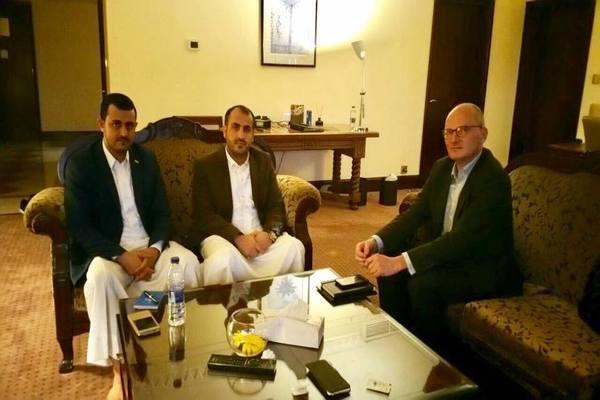 سفير ألمانيا لدى اليمن يلتقي وفد الحوثيين في مسقط لبحث المستجدات