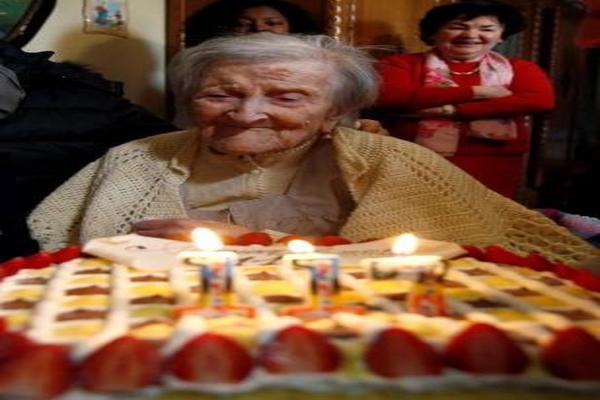 أكبر معمرة في العالم تحتفل بعام جديد في حياتها بإيطاليا