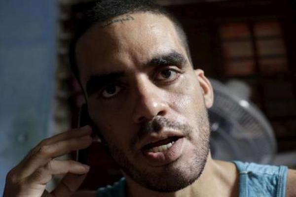 كوبا تعتقل فنانا معارضا لاحتفاله بوفاة كاسترو