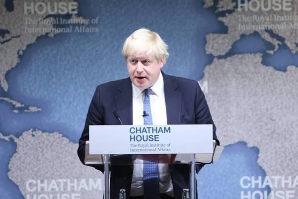 وزير خارجية بريطانيا بوريس جونسون يستقيل من منصبه