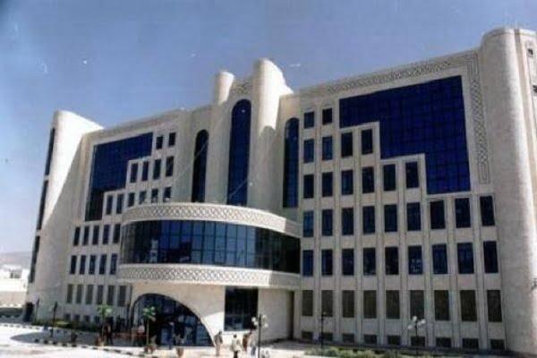 هادي يعين العراشة مديراً جديداً في شركة النفط بعدن وتحرير سوق المشتقات