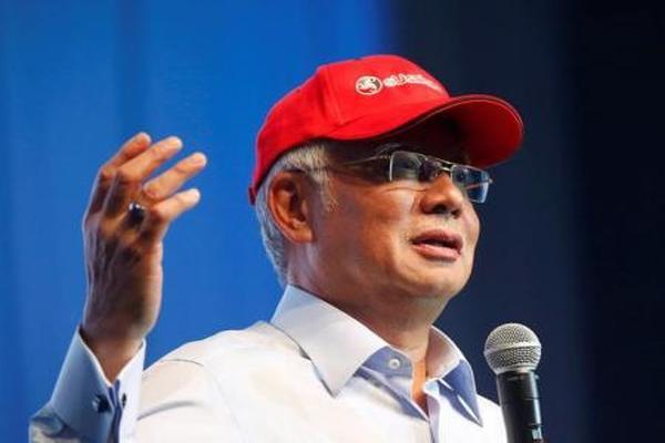"""رئيس الوزراء الماليزي يدعو للتدخل لوقف """"إبادة"""" الروهينجا في ميانمار"""
