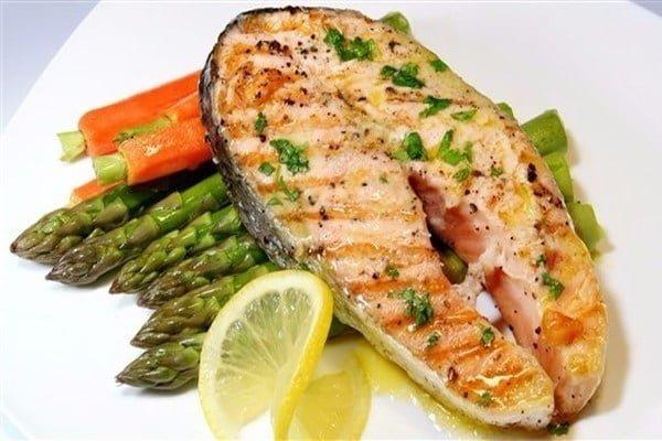 دراسة: وجبتان من الأسماك أسبوعياً تقي من أمراض القلب