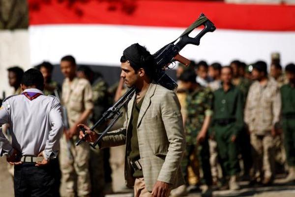 تعيينات يمنية بالوقت الضائع: أعباء على حكومة بلا وزارات