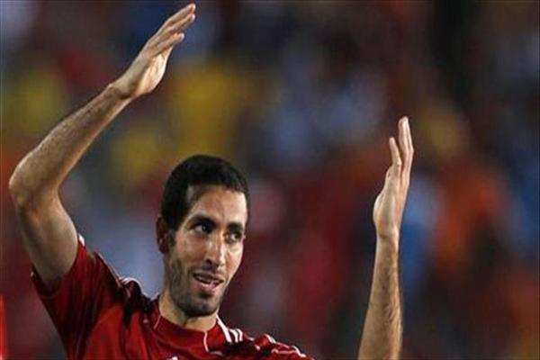 وفاة والد نجم الكرة المصرية محمد أبو تريكة